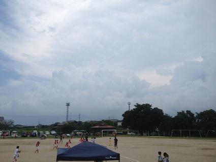 『夏休み突入。暑い〜サッカー』