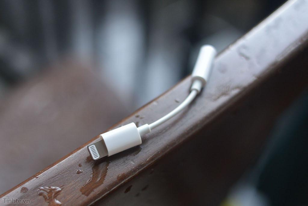 【リーク情報】やはり「iPhone7(仮)」はイヤフォン端子廃止ですか?Lightningアダプタが流出?