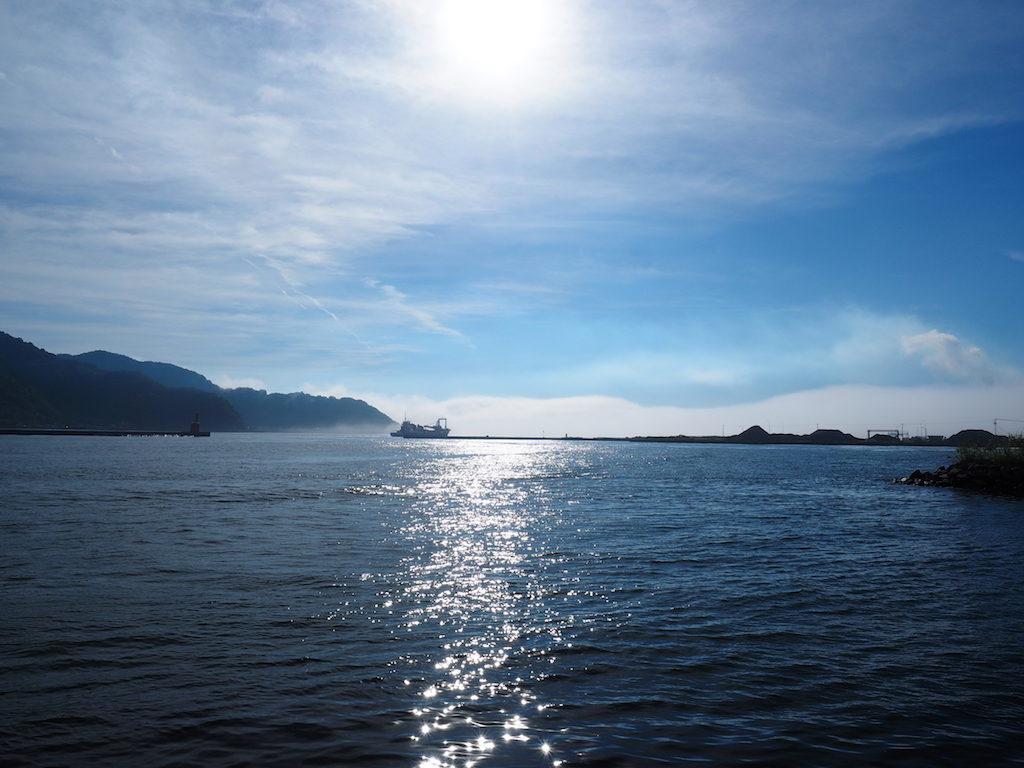 【早朝写真その2】朝霧の佐伯港。 #大分県佐伯市