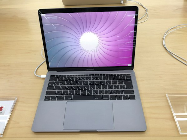 【MacBook Pro】 MacBook Pro(13inch,Late 2016,Thunderbolt 3 ポート×2)実機を触って見ました。