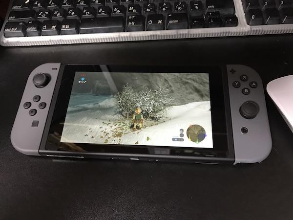 【Nintendo Switch】 やっと箱から出してゼルダの伝説をボチボチ遊んでいます。これは良く出来て最高に面白い(*`・ω・)ゞ。