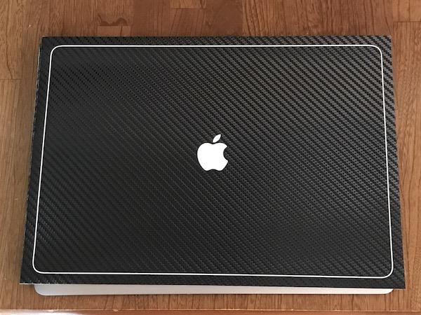 美しいです! MacBook Pro 2017 15inch 用に『wraplus for MacBook Pro 15 インチ 【ブラックカーボン】 スキンシール』を購入。