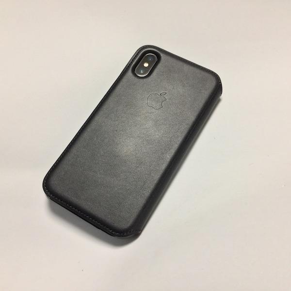Apple純正の手帳型ケース『iPhone Xレザーフォリオ – ブラック』を装着です(*`・ω・)ゞ。
