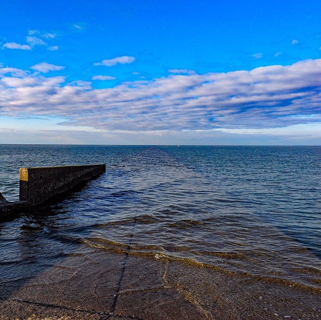 海への道。宇佐市和間海浜公園。