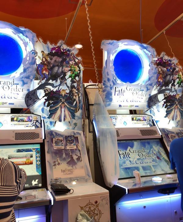本日から「Fate/Grand Order Arcade」稼働開始(*`・ω・)ゞ。早速ゲーセンで遊んできた。 #FGOAC