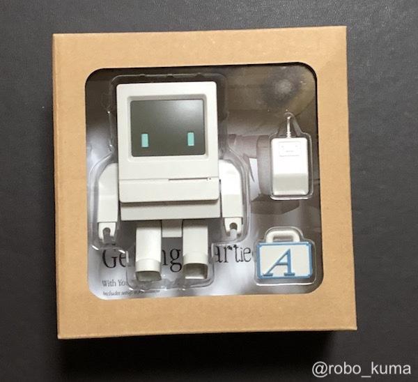 """""""Macintosh Classic"""" にそっくりなフィギュア『Classicbot Classic (通常版)』購入。可愛くて良い出来です。"""