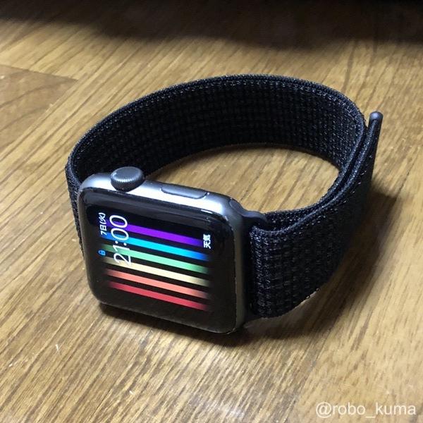 Apple Watch バンド『42mmケース用ブラック/ピュアプラチナムNikeスポーツループ』購入。柔らかくて着け心地が良いです(*`・ω・)ゞ