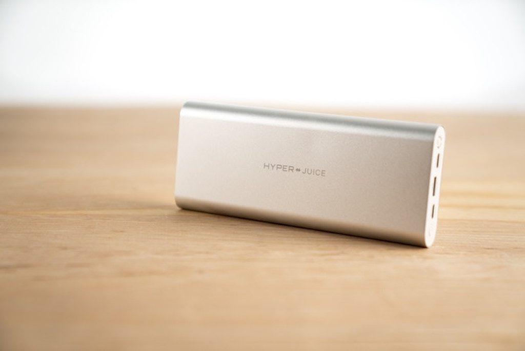 ついにキタ! USB-Cで100W充電!!『HyperJuice – The Most Powerful USB-C Battery Pack 』が、Kickstarter で出資開始です。が、日本から出資出来ない(●°ᆺ°●)。