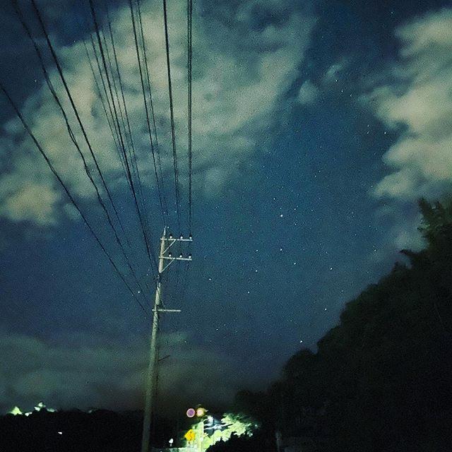 夜道を散歩、ナイトショット。(iPhone 11Pro Max)